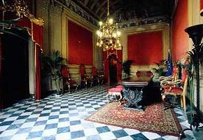 イタリア ガンバコルティ宮殿